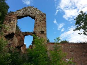 Główna brama zamku w Dankowie