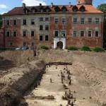 Uniejów zamek - relikty mostu