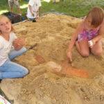Młodzi archeolodzy