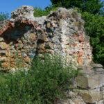Ruiny zamku w Ossolinie, most zamkowy (fot. R. Herman)