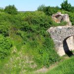 Panorama wzgórz zamkowego w Ossolinie (fot. R. Herman)